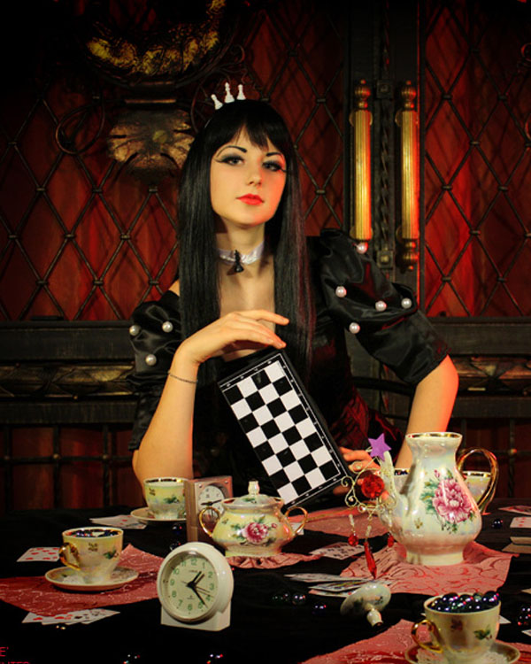 Black Queen - Alice Wonderland by kirawinter