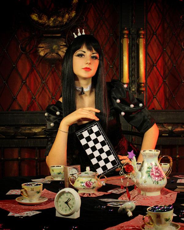 Black Queen - Alice Wonderland by kirawinter