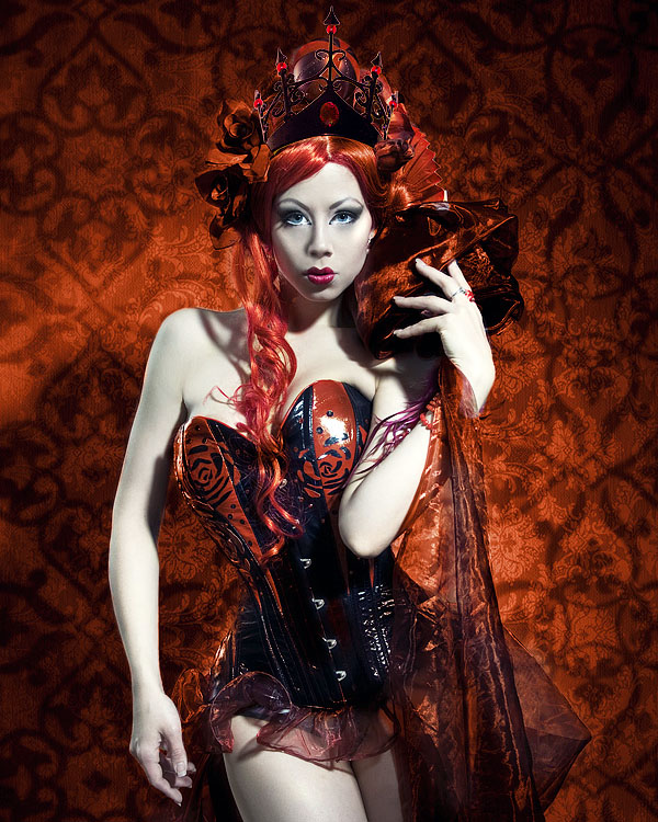 The portrait: Queen of Hearts by Ophelias-Overdose
