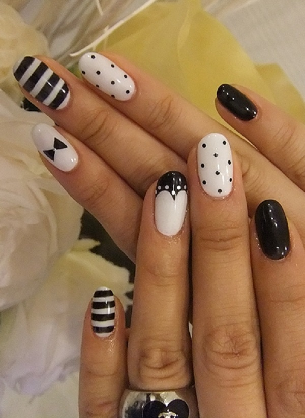 Black and White Nail Art 12