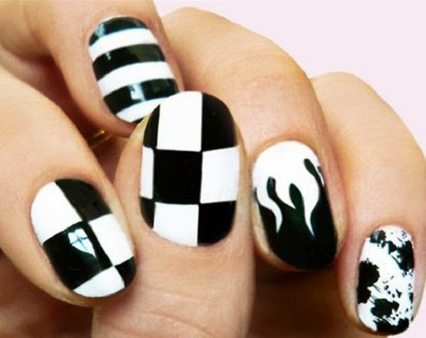 Black and White Nail Art 13