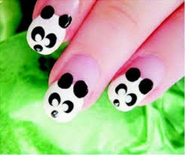 Black and White Nail Art 16