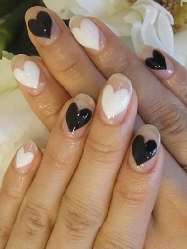 Black and White Nail Art 19