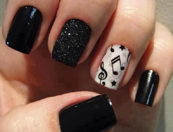 Black and White Nail Art 23