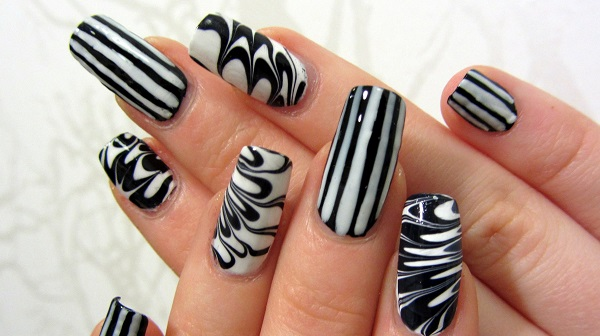 Black and White Nail Art 24