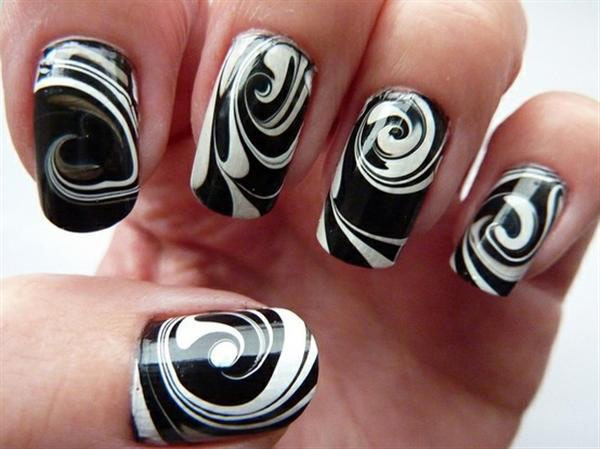 Black and White Nail Art 26