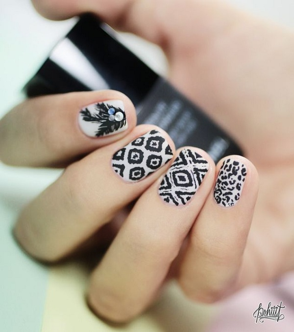 Black and white print nail art