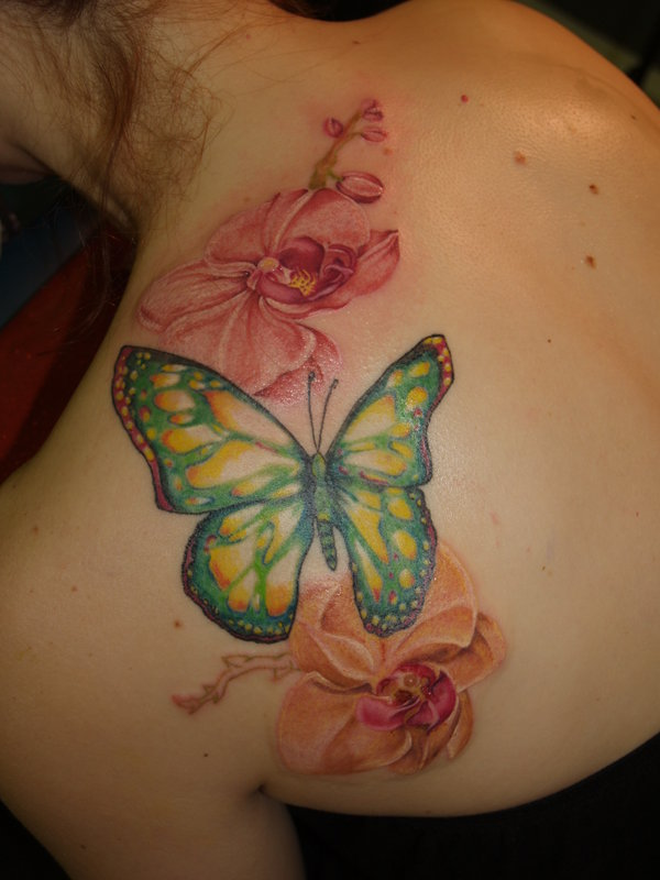 50 butterfly tattoos with flowers for women nenuno creative. Black Bedroom Furniture Sets. Home Design Ideas