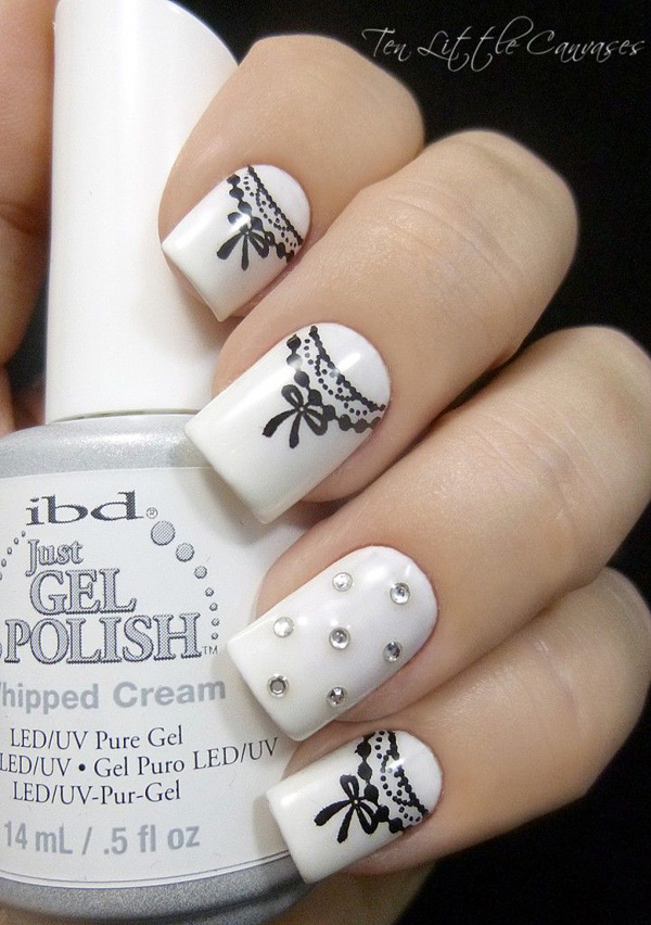 black and white nail art-40
