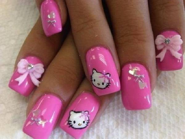 Hello Kitty on pink nails