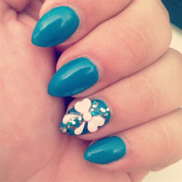 55 bow nail art ideas nenuno creative turn your nails into electric blue with this bow themed nail art to give more prinsesfo Image collections