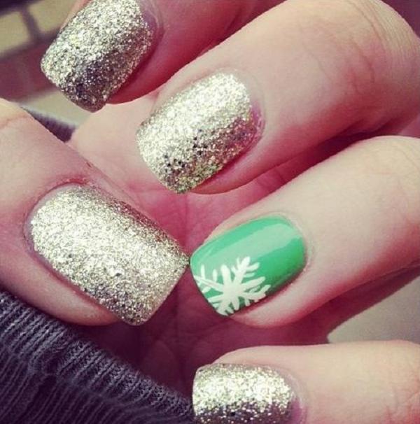 Christmas nail art 32