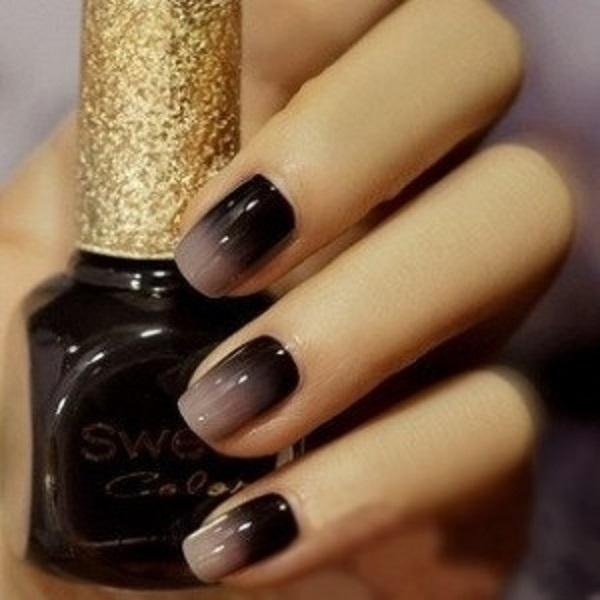 Black and gray Ombre nail art. A wonderful looking combination that gives a  soft touch - 60 Ombre Nail Art Designs - Nenuno Creative