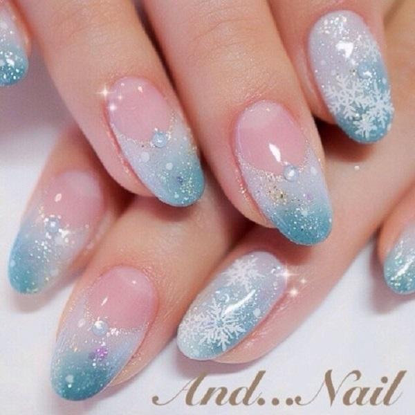 Snowflake Nail Art12