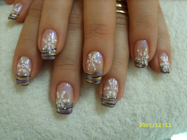 Snowflake Nail Art13