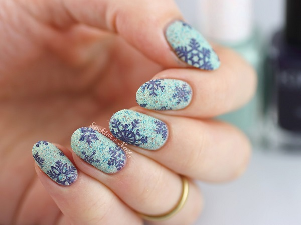 Snowflake Nail Art23