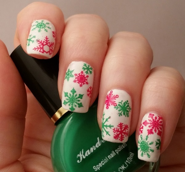 Snowflake Nail Art27