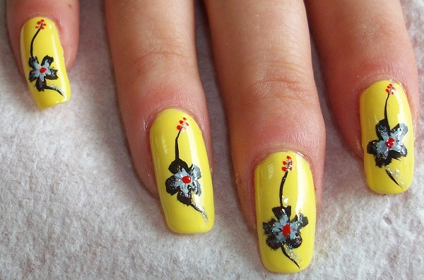Yellow Nail Art 25