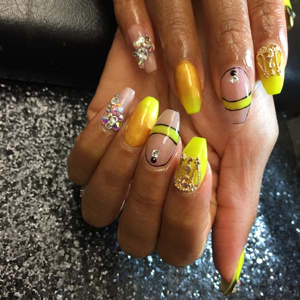 Yellow Nail Art 28