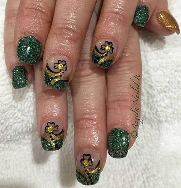 Four Leaf Clover Nail Art 8