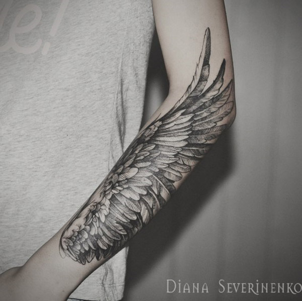A majestic looking sleeve tattoo. If only we had wings then we could fly. This tattoo design simply shows the beauty of having wings and giving you a chance to don them on your arms via permanent ink.