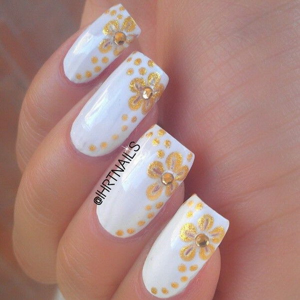 White And Gold Nail Design 12