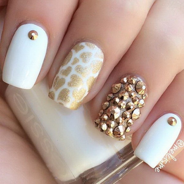 White And Gold Nail Design 15