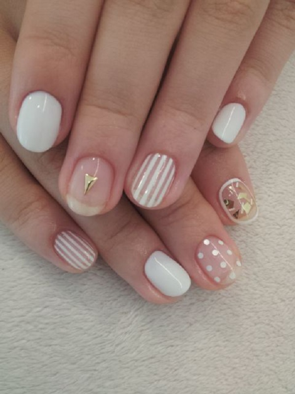 White And Gold Nail Design 16