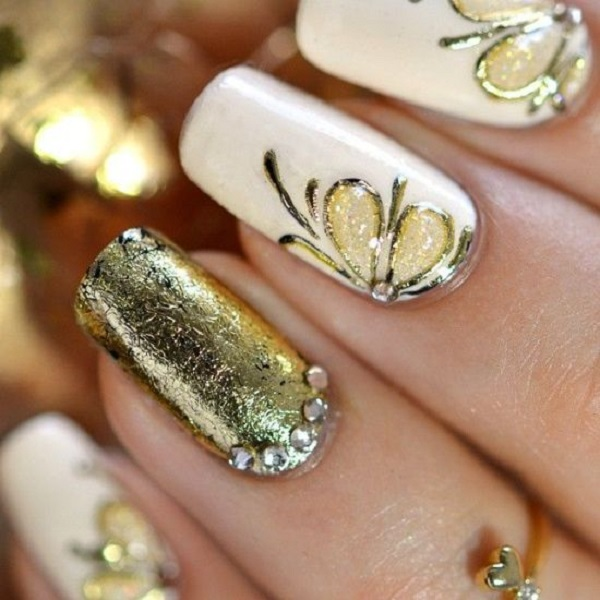 White And Gold Nail Design 26
