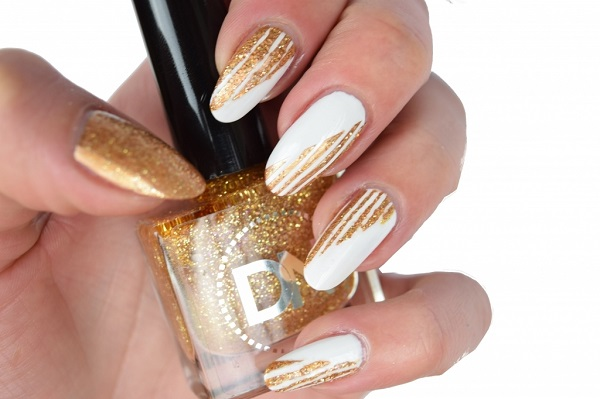 White And Gold Nail Design 27