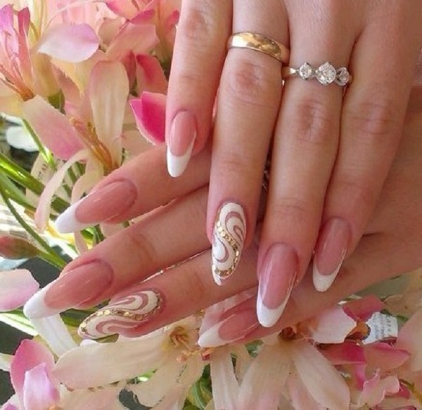 White And Gold Nail Design 28