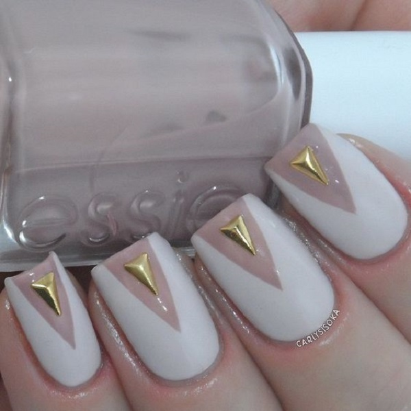 White And Gold Nail Design 4