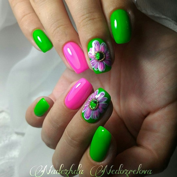 Beautiful combination of colors for spring and beautiful spring's flower as  effective detail on middle finger's - 55 Green Nail Art Designs - Nenuno Creative