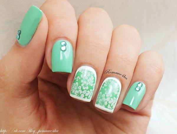 green-nail-art-design-7