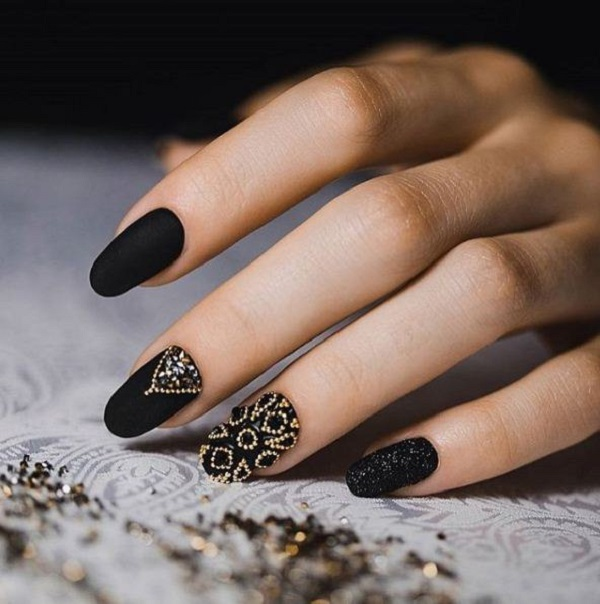 black-nail-art-designs-26