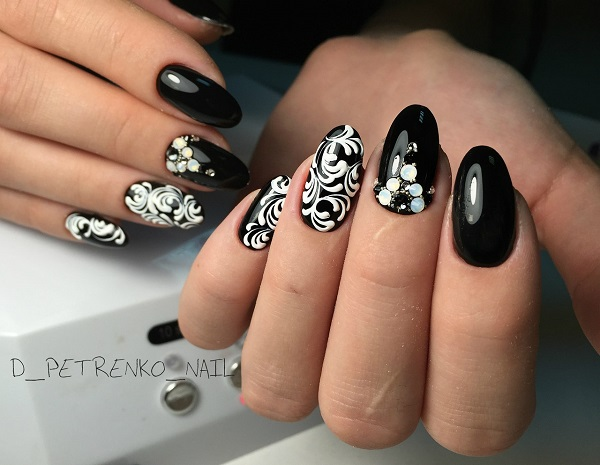 50 black nail art designs nenuno creative an amazing black and silver play creatively play with the combination of black and silver prinsesfo Gallery