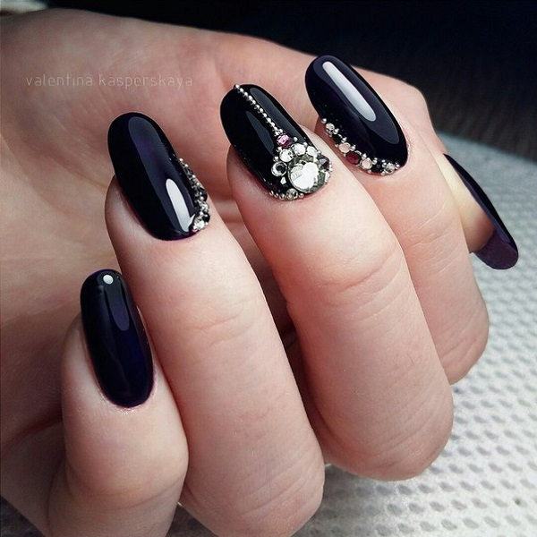 Matte Black lace work. Lace up your nails elegantly, just as in the picture - 50 BLACK NAIL ART DESIGNS - Nenuno Creative