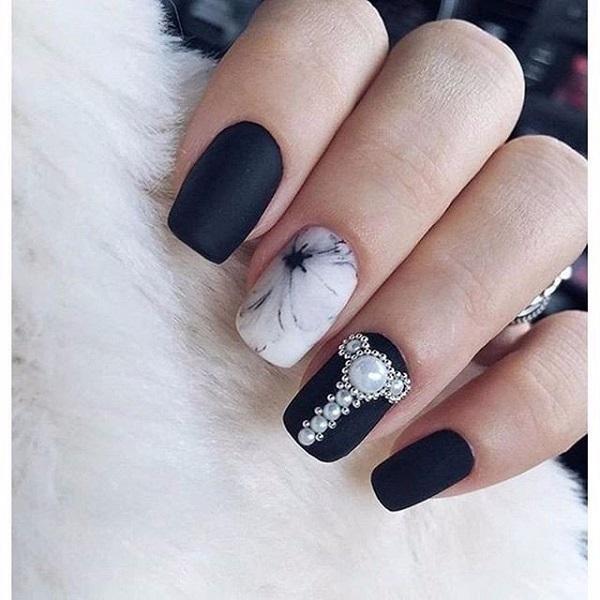 black-nail-art-designs-44