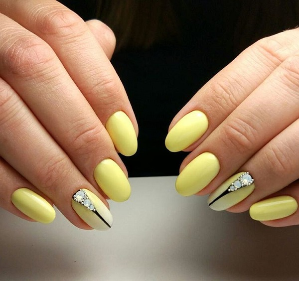 45 yellow nail art designs nenuno creative yellow and black diamond nails get your yellow nails coupled with the black strips and prinsesfo Choice Image